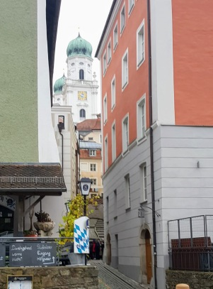 Narrow street and St Stephen's Cathedral showing in the backgroud